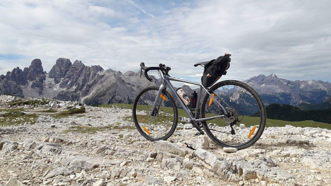 Gravel bike on Monte Specie