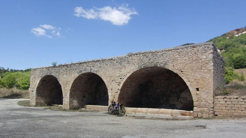 Fonte Tre Archi