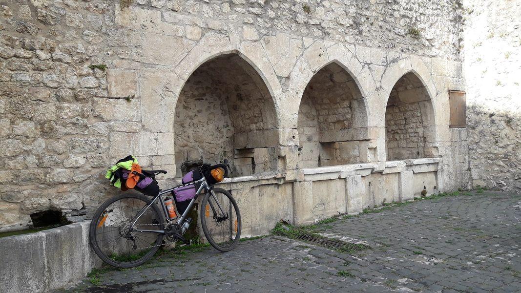 Gagliano Aterno, fontana gotica
